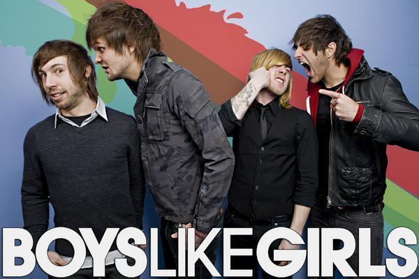 Boys lick girls boobo who