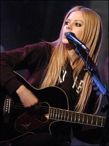 Avril Lavigne - История, биография, обзор, клипы, фотографии