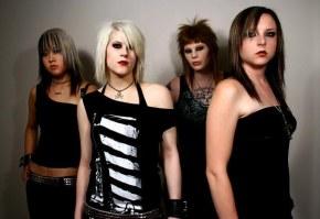 В группу Kittie вернулась старая бас-гитаристка