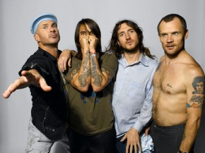 Red Hot Chili Peppers собрали 1 млн. долларов