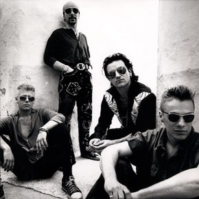 U2 Объявляют конкурс на обложку нового альбома.
