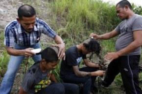 В Индонезии запрещены субкультуры
