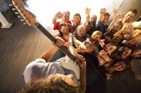 TOP53 альтернативных групп за апрель 2012