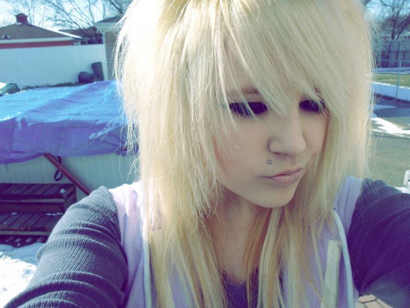 Красивые челкастые девушки блондинки фотки