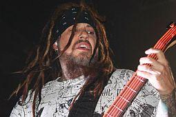 Korn поедут в тур без Филди