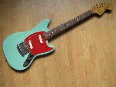Fender Mustang - Обзор гитары + Фото