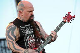 Гитарист SLAYER едва не завязал с музыкой из-за LIMP BIZKIT