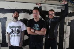 BLINK 182 отказались от фестиваля на Багамах