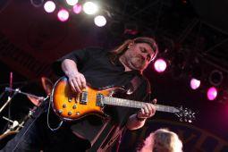 Скончался гитарист MOLLY HATCHET