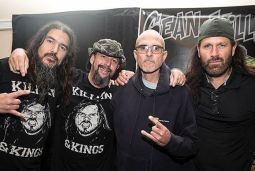 Музыканты известных металл-групп помогут вокалисту VIO-LENCE