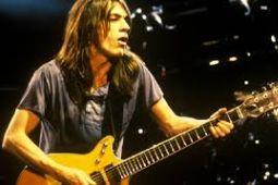 Скончался гитарист AC/DC