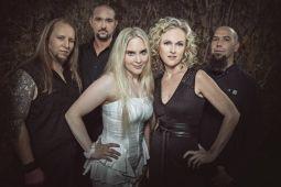 Бывшая вокалистка LEAVES' EYES присоединилась к MIDNATTSOL