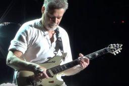 Гитарист VAN HALEN судится с видеографом