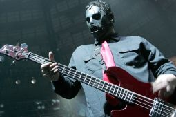 Разбирательство о смерти бас-гитариста SLIPKNOT улажено до суда