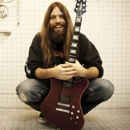 Гитарист Mark Morton рассказал Kerrang о творческом общении с Честером Беннингтоном