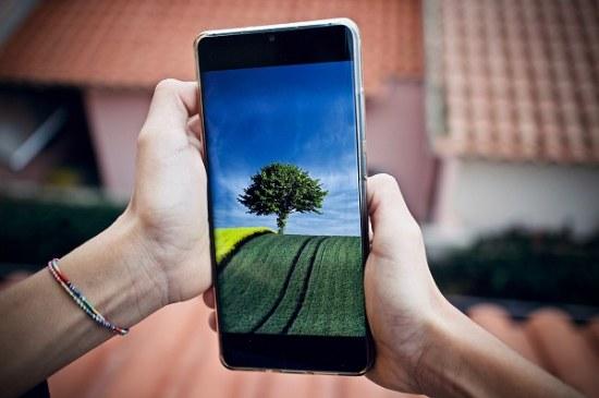 Надо брать: какой выбрать смартфон с бюджетом до 9000 гривен